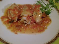 calamari stuffed and cooked in the oven Food Network Recipes, Cooking Recipes, The Kitchen Food Network, Calamari, Greek Recipes, Fish And Seafood, Cabbage, Oven, Food And Drink