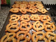 Story of the pretzel as it relates to Easter and prayer, cool for the kids (and grown ups too). The Lenten Pretzel.
