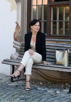 Top Fashion Bloggers Over 40 You Should Be Following!