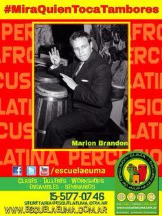 BUENOS DIAS! Hoy es martes de #MiraQuienTocaTambores/ Compartiremos fotografías de famosos tocando percusión! Si tenés alguna, compartila con nosotros! hoy, Marlon Brando