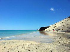¡Por fin un hermoso día soleado! Playa El Salmo, Sotavento, sureste de Fuerteventura  Foto de Home Canarias