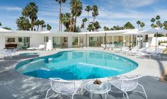 The only way to describe PALM SPRINGS style is with two words: FREAKING AWESOME. This iconic design style has everything!