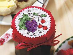 Bell'idea la frutta a punto croce sui tappi per le conserve!!!!