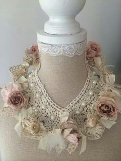 These roses on lace are made by De Rozenmakerij Tilburg NL. Shabby Chic Antiques, Vintage Shabby Chic, Vintage Lace, Shabby Chic Crafts, Vintage Crafts, Vintage Food Posters, Dress Form Mannequin, Fabric Jewelry, Lace Jewelry