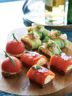 Tomato & egg, shrimp & cucumber, sermon & egg SMUSHI (Danish style sand / sushi)