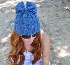 Beginner knitting pattern for a ribbed bow hat.