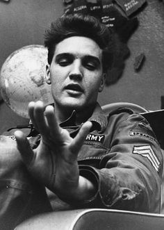 Gorgeous pic ~ Elvis army