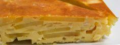 *** Vegane Tortilla española *** Wer nach Spanien kommt, kommt kulinarisch kaum an der leckeren Tortilla Española vorbei. Das Omelett aus Eiern, Kartoffeln und Zwiebeln schmeckt toll und lässt sich schnell und einfach zubereiten. Deshalb ist die Tortilla Española in ganz Spanien bekannt und gehört neben der Gazpacho und der Paella zu den Nationalgerichten Spaniens. ...