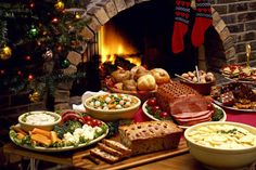 This would be so much fun to get catering at our event! That would cut down a lot of our time decorating the place. Having the food taken care of in advance with catering would be a godsend! Christmas Dinner Menu, Christmas Dishes, Christmas Desserts, Christmas Fireplace, Christmas Eve, Christmas Traditions, Victorian Christmas, Christmas Decorations, Ikea Christmas