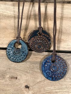 Newest No Cost clay pottery jewelry Suggestions Clay necklace Metal Clay Jewelry, Ceramic Jewelry, Ceramic Beads, Jewelry Art, Jewellery, Jewelry Ideas, Polymer Clay Kunst, Polymer Clay Beads, Ceramic Necklace