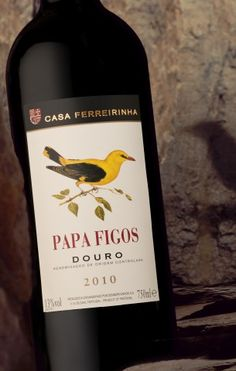Papa Figos - Casa Ferreirinha. Sogrape Vinhos. Douro. Portugal Champagne Drinks, Wine Drinks, Wine And Liquor, Wine And Beer, Spirit Drink, Portuguese Recipes, Portuguese Food, Wine Packaging, Wine Cheese