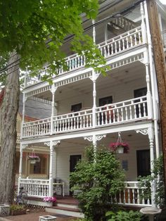 Chautauqua Institution - The Vera (circa 1889) - 25 South Terrace http://www.chautauquaguesthouse.com/aboutus2.html photo by Walt http://ettenw.org/