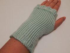Jovial Knits: Loom Knit Fingerless Gloves: Shizknit Fingerless M...
