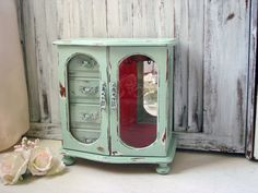 Mint Green Vintage Jewelry Box Light Green by WillowsEndCottage