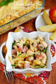 Chicken Cordon Bleu Mac and Cheese is hearty, but surprisingly light, with no butter or cream! | iowagirleats.com