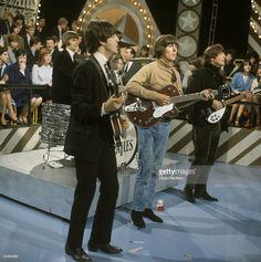 News Photo : Photo of BEATLES, Ringo Starr, Paul McCartney,...