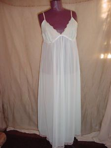 seller florasgarden on ebay nightgown by Linea Donatello