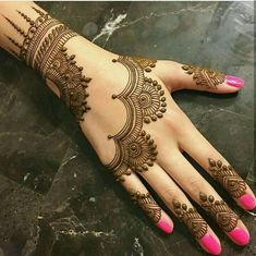 Mehndi henna designs are always searchable by Pakistani women and girls. Women, girls and also kids apply henna on their hands, feet and also on neck to look more gorgeous and traditional. Eid Mehndi Designs, Back Hand Mehndi Designs, Simple Arabic Mehndi Designs, Mehndi Designs For Girls, Mehndi Designs For Beginners, Mehndi Designs For Fingers, Beautiful Mehndi Design, Latest Mehndi Designs, Mehndi Design Pictures