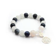Beaded Bracelets, Jewelry, Fashion, Bangle Bracelets, Moda, Jewlery, Jewerly, Fashion Styles, Pearl Bracelets