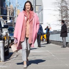 HOW TO DO FASHION WEEK LIKE AN INDUSTRY PRO http://www.couturesquemag.com/2015/02/how-to-do-fashion-week-like-editor.html