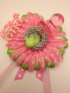 Pink and Green Frog Theme Baby Shower Corsage.Its a girl via Etsy Frog Baby Showers, Baby Shower Parties, Baby Shower Themes, Shower Ideas, Baby Boy Shower, Baby Shower Gifts, Baby Gifts, Baby Corsage, Baby Shower Planner
