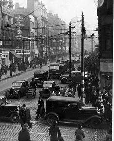 Wonderful slideshow looks at how Manchester's Market Street has changed since 1900. #vintage #photography #history
