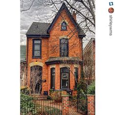 """Ode To Old Houses on Instagram: """"Gorgeous brick Victorian  tagged by @shirleywms ・・・ """"Another old home in the Trinity-Bellwoods area in Toronto. #Ontario #canada #igers #city #living #life #Toronto #architecture #archi_ology #oldhouselove #torontophoto #torontoarchitecture #lovetoronto #ig_great_shots_canada #thecanadiancollective #house #beautifulhouse_oldandnew""""  Lets see those old house guts tomorrow! Tag to #interiorthursdays"""""""