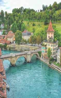 Travel Discover Bern Schweiz - Travel and Extra Places Around The World Oh The Places You& Go Travel Around The World Places To Travel Travel Destinations Around The Worlds Beautiful Places To Visit Wonderful Places Amazing Places On Earth
