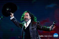 Portal Noticias Digital58: Marco Antonio Solís deleita al Festival de Viña con sus baladas melancólicas