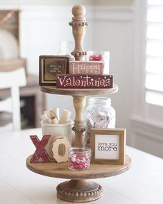 Do you need inspiration to make some DIY Farmhouse Decor Ideas for Valentine's Day ? Are you looking for some fantastic Farmhouse Decor Ideas for Valentine's Day? Valentines Day Decorations, Valentine Day Crafts, Be My Valentine, Holiday Crafts, Holiday Decor, Valentine Party, Valentine Ideas, Valentines Day Decor Rustic, Printable Valentine
