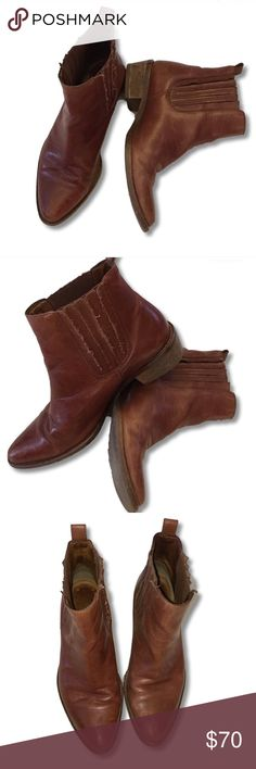 Madewell Chelsea Boots Madewell Chelsea boots in English Saddle. Gently worn and in great shape. Beautifully broken in leather boots. Style #27205. Madewell Shoes Ankle Boots & Booties