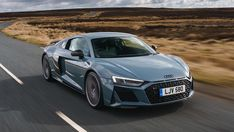 Audi R8 V10 Performance Review #vehicles Audi Supercar, Audi R8 V10, Super Sport Cars, Super Cars, Audi R8 For Sale, New Audi R8, Bugatti Chiron, Daihatsu, Volkswagen
