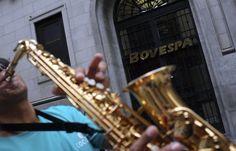 Bovespa fecha outubro em alta de 11,2% e acumula alta de 49,7% no ano - http://po.st/MYOHxQ  #Bolsa-de-Valores - #Alta, #Bovespa, #Ganhos