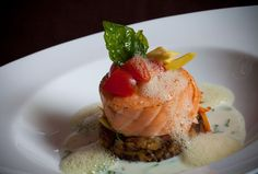 ¡Un nuevo chef pondrá su sello a la oferta culinaria de El San Juan Resort & Casino! Entérate de quién se trata, aquí: http://www.sal.pr/2013/01/30/sabroso-regreso-para-el-chef-calderon/