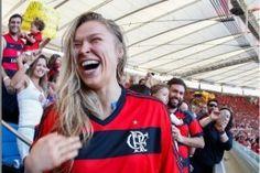 http://esporte.uol.com.br/futebol/album/2015/08/02/serie-a-flamengo-x-santos.htm