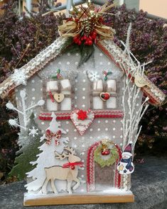 Glass Christmas Tree Ornaments, Christmas Wreaths, Christmas Crafts, Christmas Mini Albums, Christmas Minis, Popsicle Stick Crafts, Craft Stick Crafts, 5 Minute Crafts Videos, Seashell Crafts