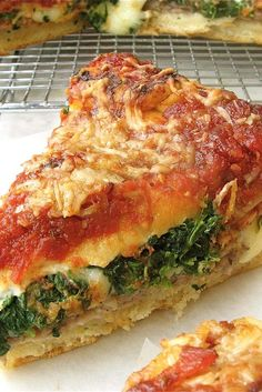 CHICAGO STYLE DEEP DISH STUFFED PIZZA - This recipe is a project, no doubt about it. Homemade crust, slowly simmered sauce, even homemade sausage all contribute to the pizza's wonderful marriage of flavors and textures. Quiche, Pizza Recipes, Appetizer Recipes, Cooking Recipes, Sauce Pizza, Crust Pizza, Pizza Dough, Pizza Lasagna, Gourmet