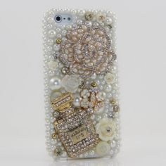 this cell phone case is beautiful ..