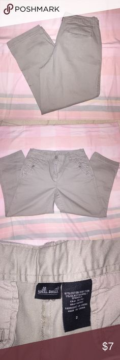 Willi smith khaki capris Good condition other than small flaw I noticed .. Pictured** Willi Smith Pants Capris
