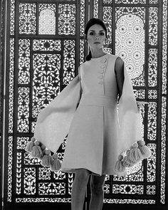 Model turned actress Jennifer O'Neill, photo by William Helburn, 1968 60s And 70s Fashion, Vintage Fashion, Sirens Fashion, Jennifer O'neill, Fashion Models, Fashion Brands, Vintage Dresses, Vintage Outfits, 20th Century Fashion