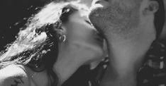 Gif beijo no pescoço