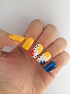 Colombia - fifa world cup- uñas / Colombia nails /nailart Diy Nails, Glitter Nails, Cute Nails, Pretty Nails, Modern Nails, Short Nails Art, Flower Nail Art, Rhinestone Nails, Beautiful Nail Designs