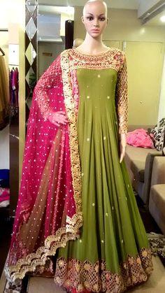 Shadi Dresses, Indian Gowns Dresses, Pakistani Dresses, Indian Designer Outfits, Indian Outfits, Designer Dresses, Lehenga Designs Simple, Afghan Dresses, Frock Design