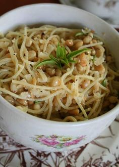 10 Heavingly Ways To Cook Healthy and Delicous Recipes With Nuts - LEMON PASTA WITH PINE NUTS