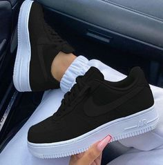 Śledź aby uzyskać więcej 🔥 INFORMATION ABOUT SHOES 0 comments Shoes ; Jordan Shoes Girls, Girls Shoes, Shoes Women, Cute Sneakers, Sneakers Nike, Casual Sneakers, Casual Shoes, Nike Shoes Air Force, White Nike Shoes