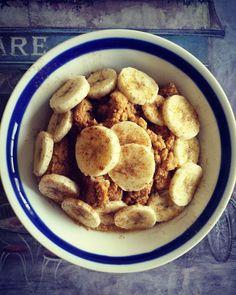 31. Paleo Pumpkin Pie Porridge #paleo #breakfast #recipes http://greatist.com/eat/paleo-breakfast-recipes