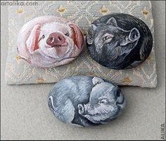 Hand painted rock. Three piglets by Alika-Rikki, via Flickr