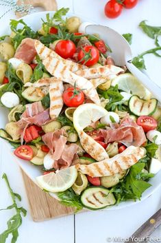 Pasta pesto salade met gegrilde kip - Mind Your Feed, Healthy Drinks, Healthy Recipes, Easy Pork Chop Recipes, Easy Salads, Dinner Dishes, Clean Eating Snacks, Food For Thought, Summer Recipes, Food Inspiration