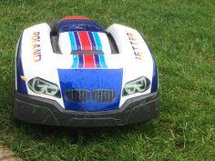 http://www.robomaeher.de/blog/automower/pimp-your-automower.html Automower - Rasenroboter - BMW M3 :-)