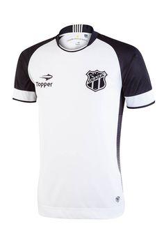 O segundo uniforme do Ceará tem como base a cor branca e detalhes em preto. A gola também é retilínea, porém arredondada. O recorte lateral é inteiriço e a presença do grafismo listrado sugere um efeito degradê.